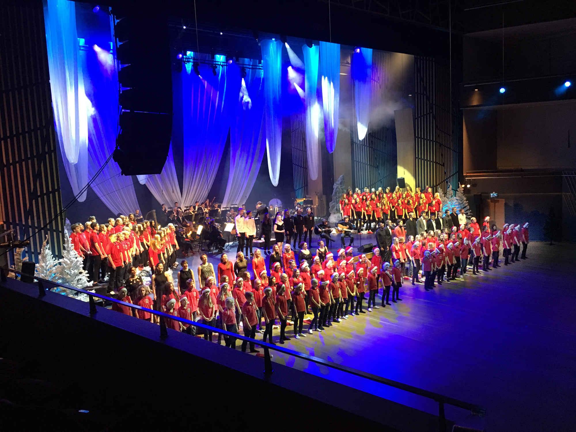 Luciakonsert med Norrstrands musikklasser och Wermland Opera